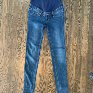 Like new H&M skinny maternity jeans